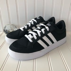 NEW Adidas VS Set Skateboarding Sneaker